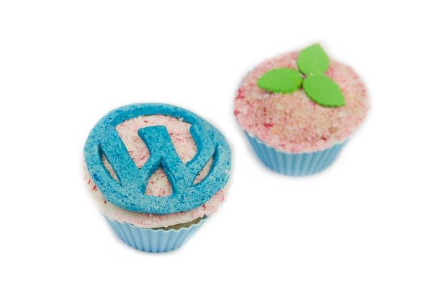 cupcakes-525515_640