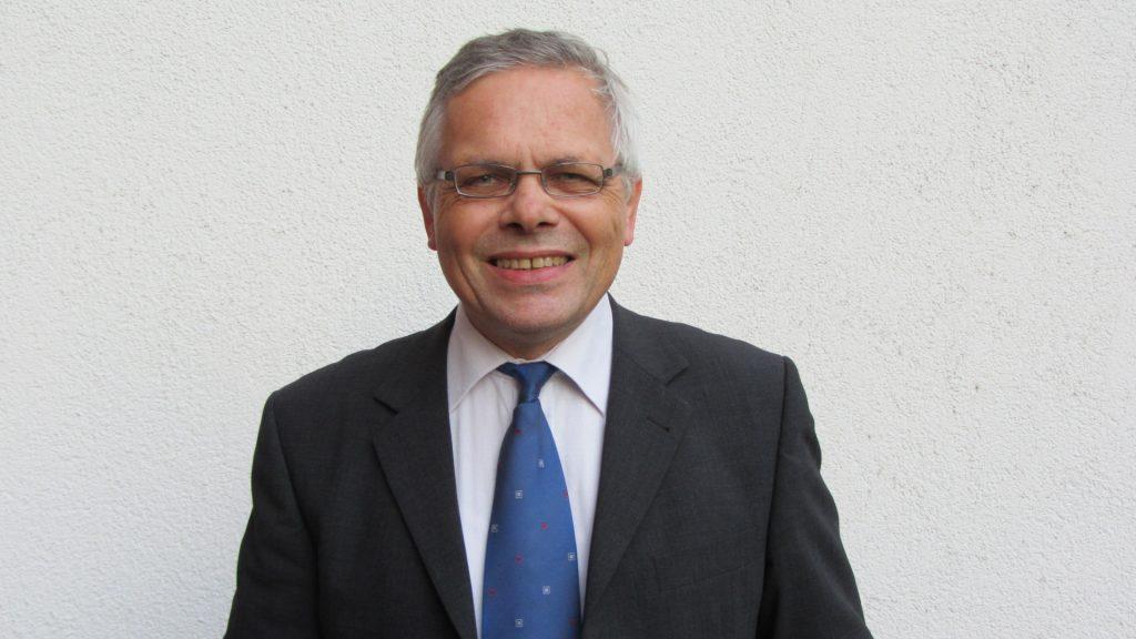 CDU Vorsitz- Jetzt kommt Farbe ins Spiel